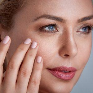 Collagen có khả năng thúc đẩy làn da sáng, đầy sức sống.